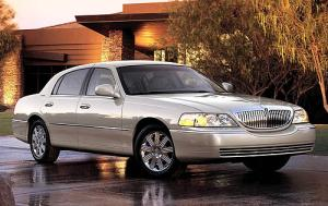 Used Lincoln Town Car Signature (2007)