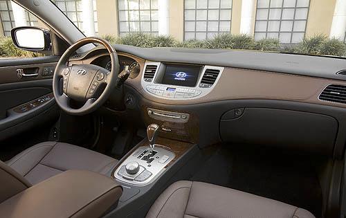 Review 2010 Hyundai Genesis Sedan