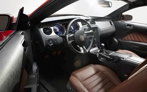 2010 mustang interior accessories. Black Bedroom Furniture Sets. Home Design Ideas