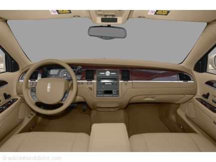 2010 Lincoln Town Car Interior. 2010 Lincoln Town Car interior