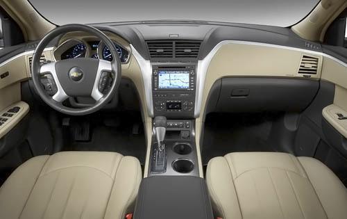 2010 Chevy Traverse Interior
