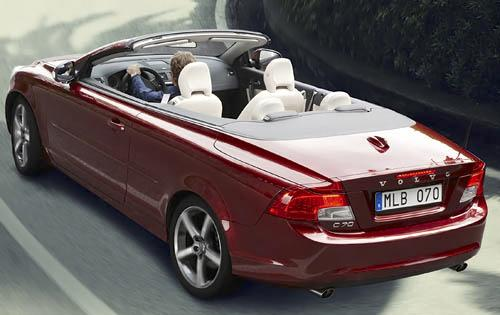 2011 Volvo C70 T5 rear view. The Multimedia package adds a 14-speaker