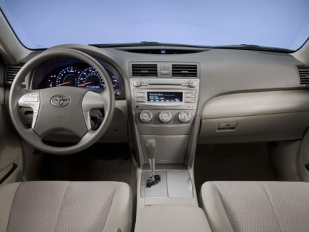review 2011 toyota camry features invoice and listed prices