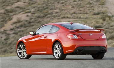 Captivating 2011 Hyundai Genesis Coupe Rear View
