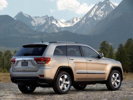 2011 Jeep Grand Cherokee rear view
