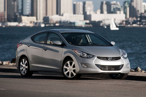 2013 Hyundai Elantra Pros, Cons, Pricing - Auto Broker Magic